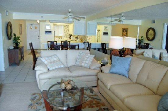 Spacious 2 Bedroom 2 bath condo on the 3rd Floor at Regency Towers - Image 1 - Thomas Drive - rentals