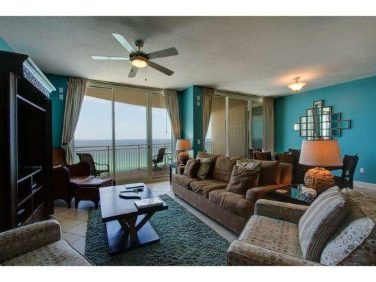 Enjoy Free BEACH CHAIR SERVICE with our Spacious 3 Bedroom with THREE Full Bathrooms at Luxurious Aqua Resort - Image 1 - Panama City Beach - rentals