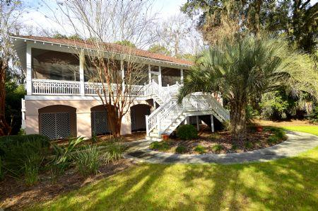 Front of the home  - Large Screened Porch, Private Pool, Short Walk to Ocean & Coligny Plaza - Hilton Head - rentals