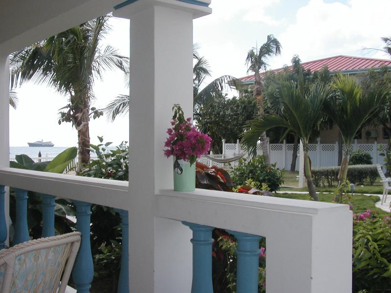Steps to Caribbean, pool and 2 mile-long beach - Image 1 - Simpson Bay - rentals
