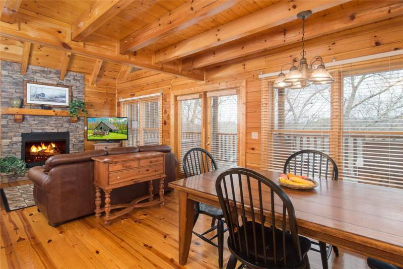 Treehouse - Image 1 - Pigeon Forge - rentals