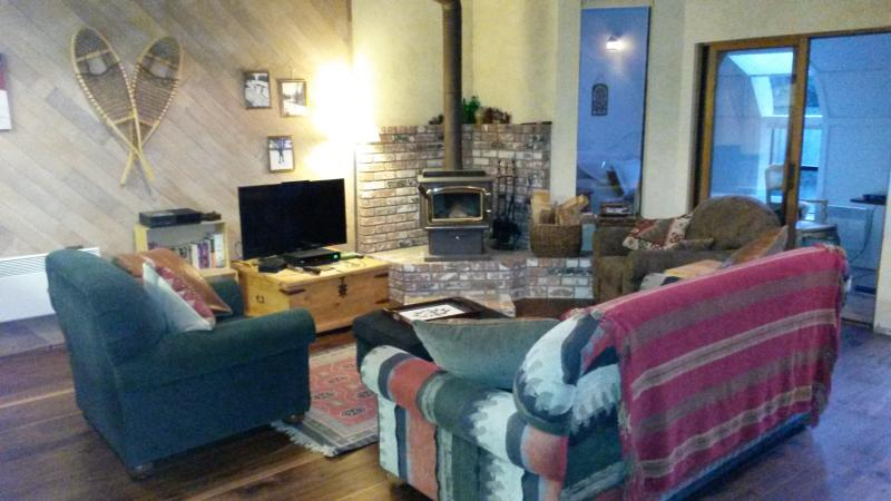Living rm - Mammoth Mountain  Spacious 3 bdrm areas 3 ba Ski - Mammoth Lakes - rentals