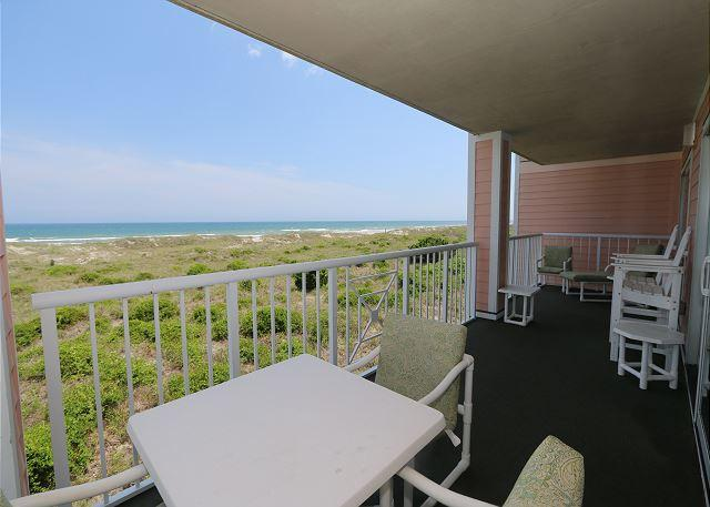 Patio - Wrightsville Dunes 2A-B - Oceanfront condo with community pool, tennis, beach - Wrightsville Beach - rentals