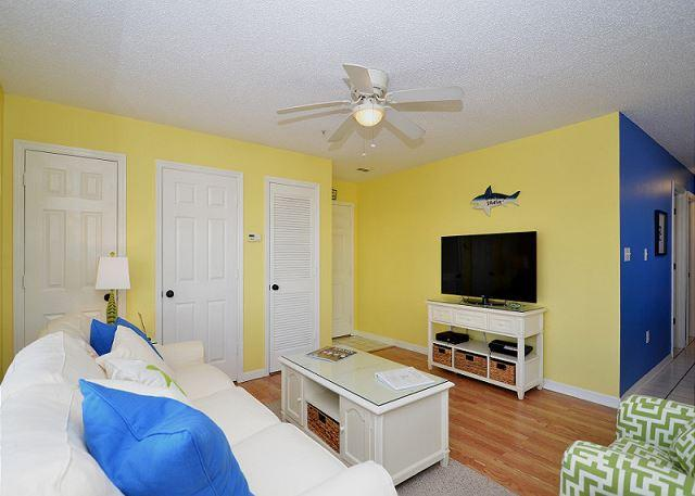 Fantastic Two Bedroom Condo Located Just Steps Away From The Sand - Image 1 - Destin - rentals