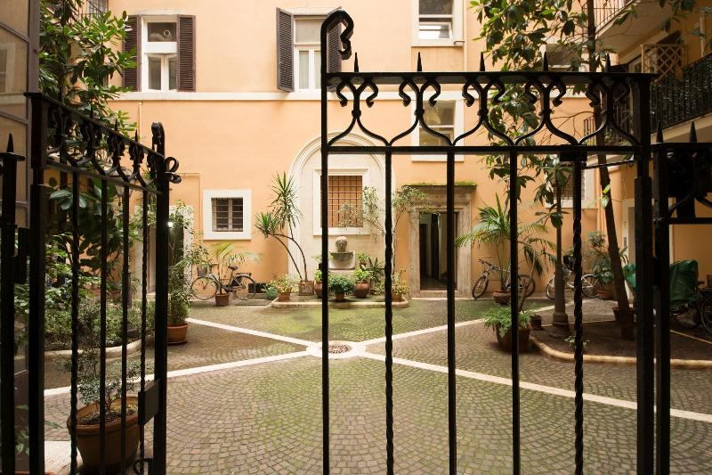 House for family in center of Rome - Image 1 - Rome - rentals