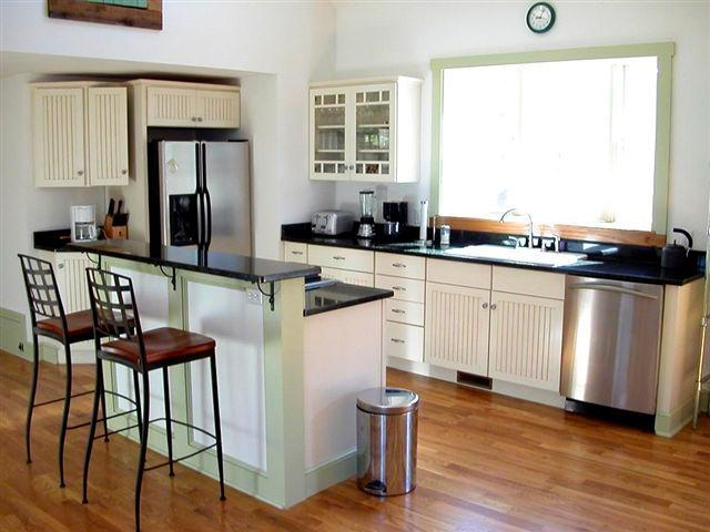 Kitchen bar with 4 stools - Huge Cape Cod Beach House - Harwich - rentals