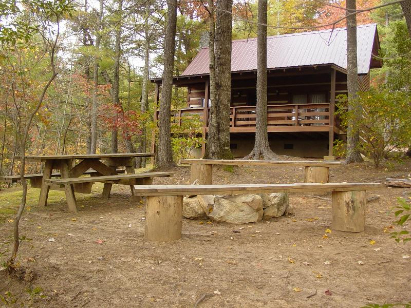 Private Honeymoon Cabin / Picnic Area / Campfire Ring with Seating - Secluded Honeymoon Cabin/Hot Tub/WiFi/FP/Hiking/Fish/Spring Discount/Free Nights - Boone - rentals