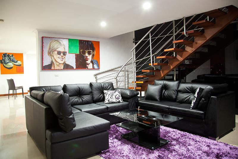 4 Bedroom Duplex Penthouse 24 hr security Hot Tub - Image 1 - Medellin - rentals