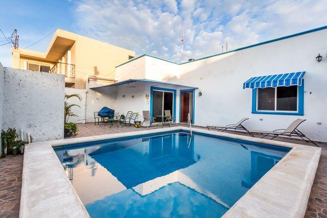 Casa Don Rosa II - Large Pool, Open Layout, Four Blocks to Ocean - Image 1 - Cozumel - rentals