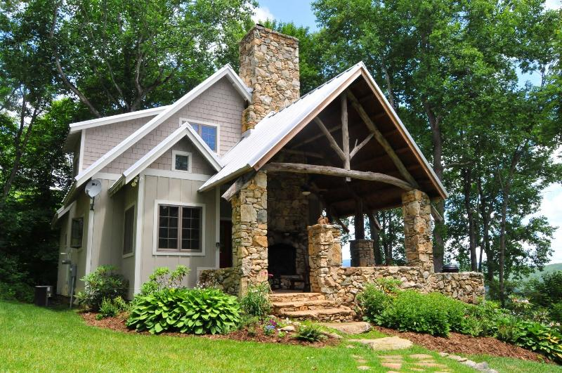 The Granny Mandy Cottage at On the Windfall - Granny Mandy at On the Windfall - 215 acre retreat - Lansing - rentals
