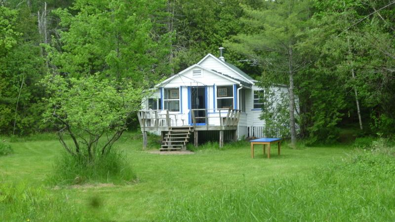 Secluded country cottage with access to private beach - Image 1 - Magog - rentals