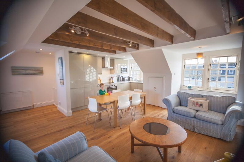Open plan upper floor - North Star, 40 North Street, Heart of St Andrews - Saint Andrews - rentals