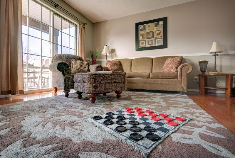 We have games, puzzles & books to keep your family entertained in the evenings :) - Great Family Condo w pools in resort! No Stairs. - Branson - rentals
