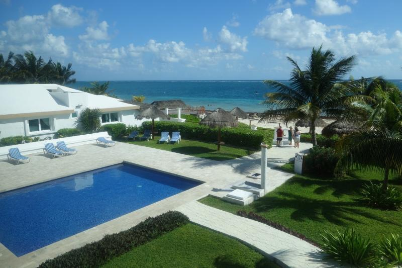 View from the main balcony - Beach front condo in Puerto Morelos - Puerto Morelos - rentals