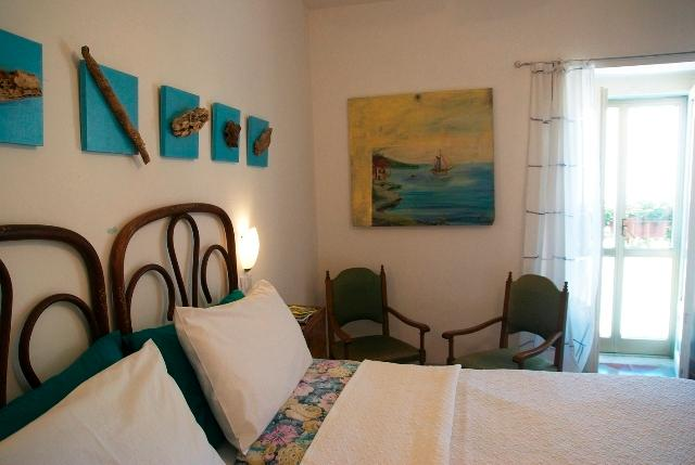 Falanghina double room on second floor with ensuite shower room. Small balcony and wonderful view - Art & Breakfast, Ripabottoni room Falanghina - Ripabottoni - rentals
