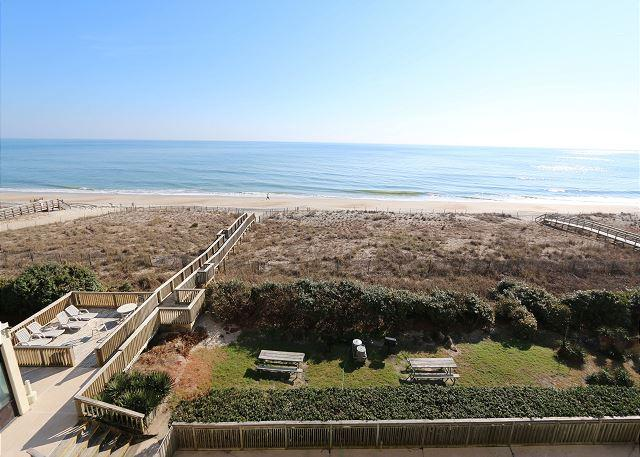 Peilcan Watch 405- Oceanfront condo with private beach access, Jacuzzi & pool - Image 1 - Carolina Beach - rentals