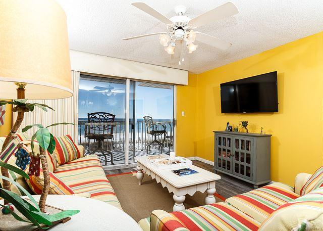This newly redecorated condo is absolutely beautiful! You will d - TP 203: RECENTLY UPDATED - VERY NICE! FREE BEACH SERVICE AND SNORKELING! - Fort Walton Beach - rentals
