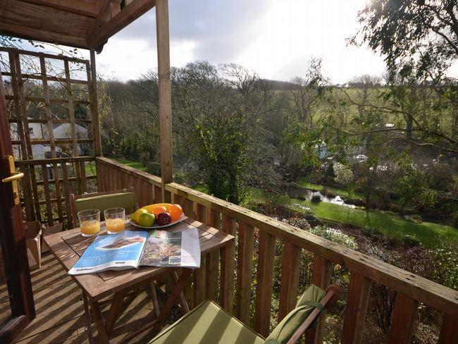 Sunny deck with seating overlooking the gardens - BANNH - Cornwall - rentals