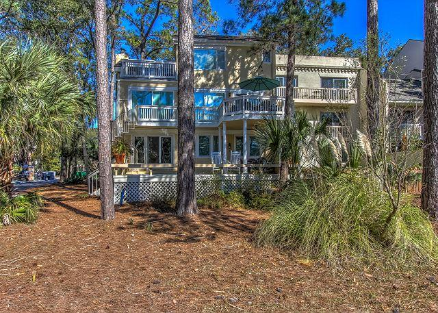 Exterior - 13 Mizzenmast Court-Golf Course View w/ Pool and Quick walk to Harbourtown - Hilton Head - rentals