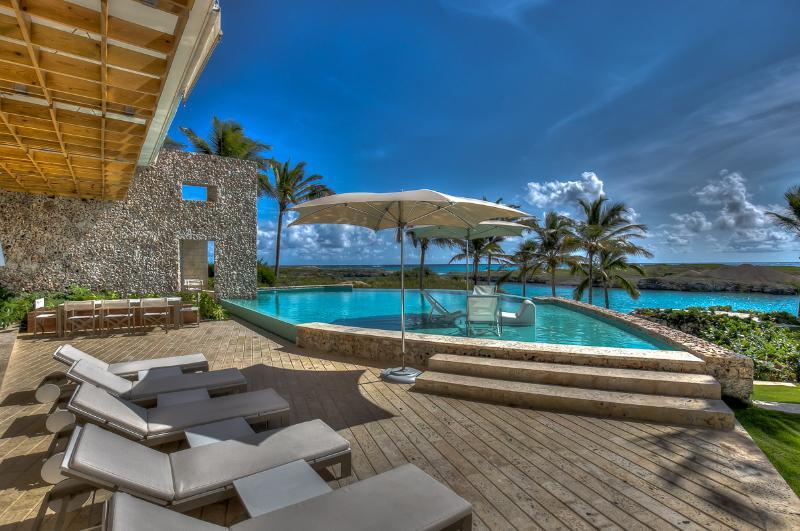 Villa Oceania, Sleeps 12 - Image 1 - Punta Cana - rentals