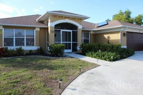 Front of home - Wonderful Cape Coral Home - Cape Coral - rentals