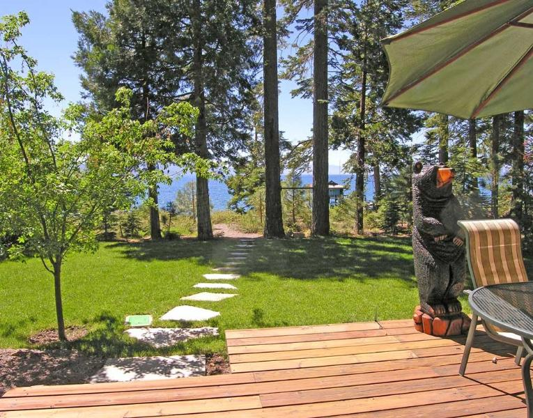 Burch House - Lake Tahoe is your back yard - Burch Tahoe Lakefront - Hot Tub & Dog Friendly - Carnelian Bay - rentals