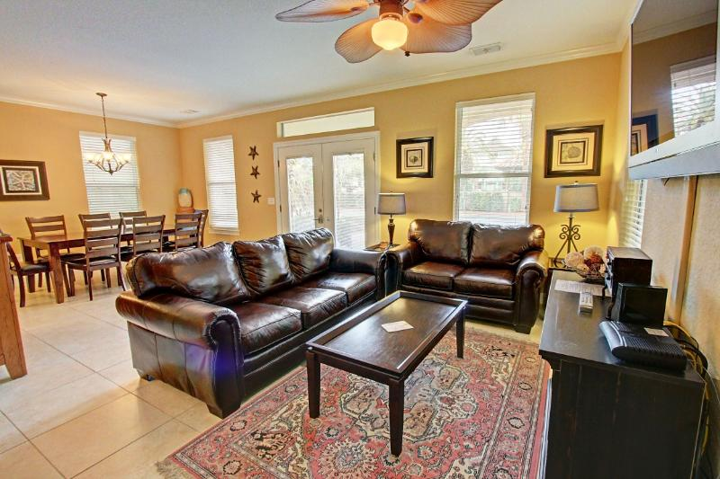 Calypso - Fab REMODEL! 15% OFF Stays From 4/11 - 5/15! POOLFront 6 BR/3.5 BA in Villages of Crystal - Image 1 - Destin - rentals