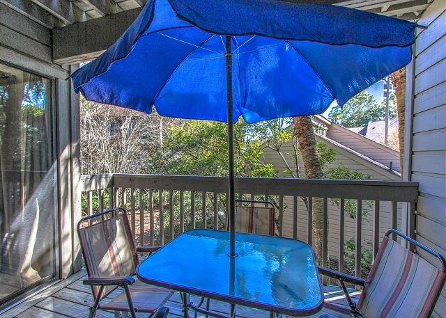 Living Area Patio - 73-74 MOORINGS- Quick Walk to the Beach and Dunes House. - Hilton Head - rentals
