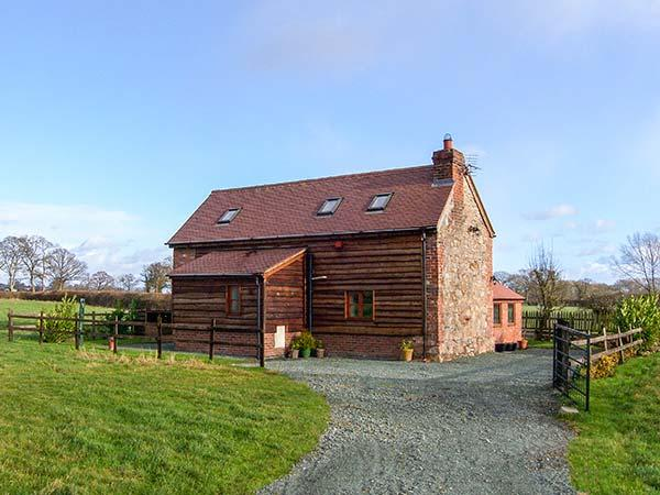 ROSE COTTAGE, family friendly, character holiday cottage, with open fire in - Image 1 - Oswestry - rentals