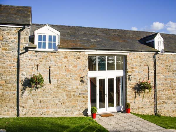 MILL COTTAGE, pet-friendly character cottage, country setting, games barn, garden, Aberaeron Ref 20004 - Image 1 - Aberaeron - rentals