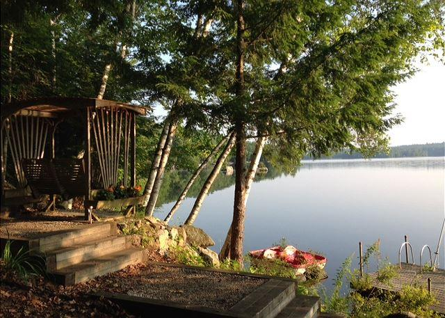 Charming Waterfront on Lake Wickwas (MAR21W) - Image 1 - Meredith - rentals