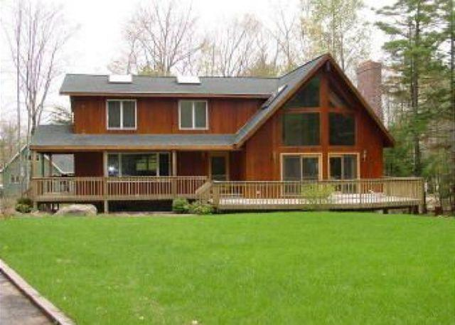 Front of House - Spacious Beach Access Home in Suissevale(LAL21Bfp) - Moultonborough - rentals