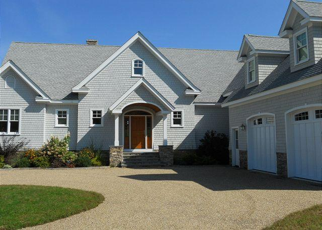 Front of House - Luxury Waterfront Lake Winnipesaukee (BUR14Wf) - Center Harbor - rentals