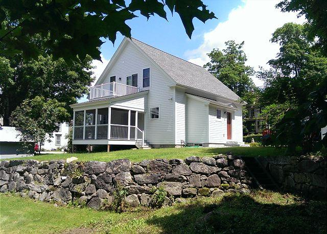 back of house and yard - Charming New England Home in Meredith (HUR5B) - Meredith - rentals
