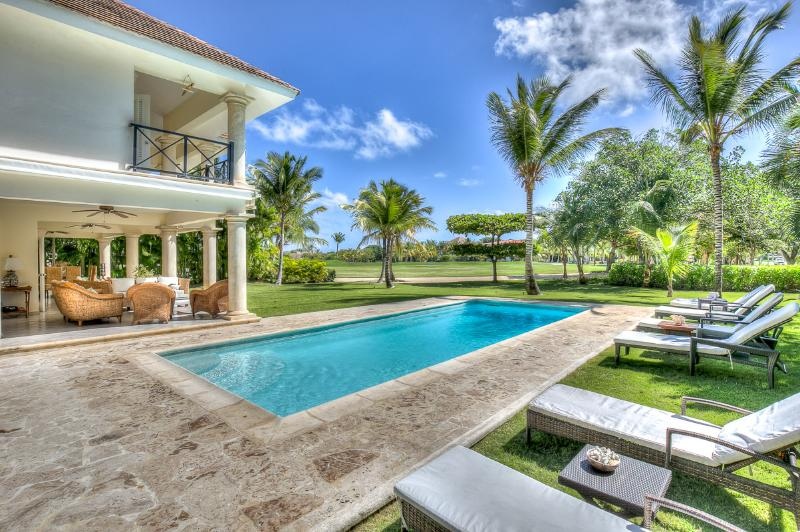 Ideal for Families & Golf Groups, Maid Service, Swimming Pool, Beach Club Access - Image 1 - Punta Cana - rentals