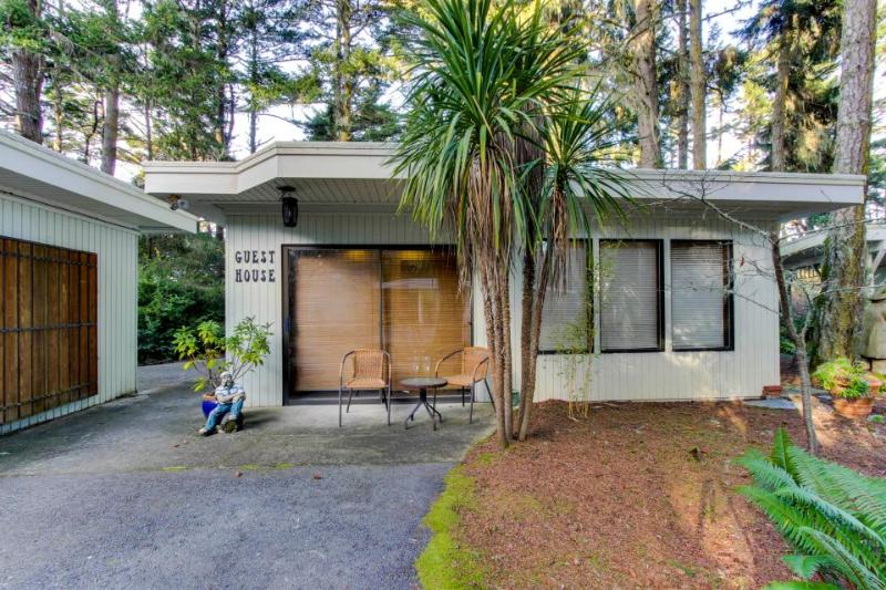 Dog-friendly bayfront home with water access, private hot tub, retro-style charm - Image 1 - Coos Bay - rentals