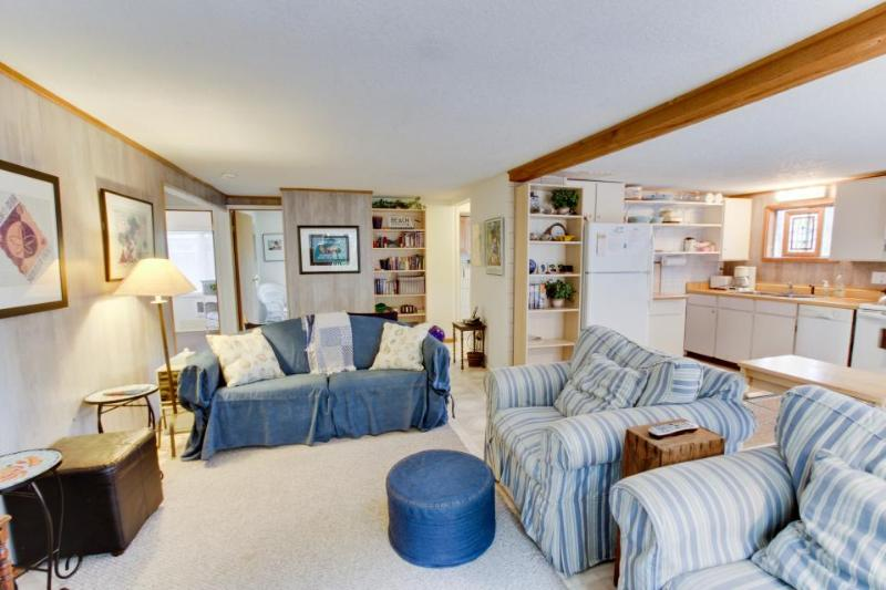 Quiet, dog-friendly cottage tucked in the woods. - Image 1 - Beaverton - rentals