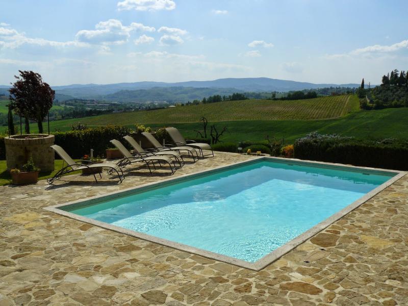 4 bedroom Villa in Poggibonsi, Chianti, Tuscany, Italy : ref 2293922 - Image 1 - Poggibonsi - rentals