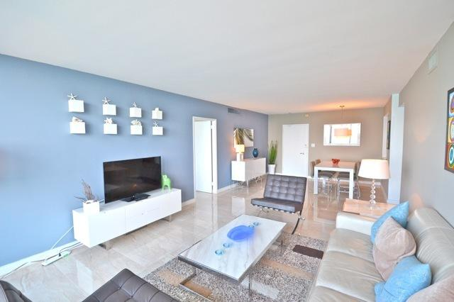 SWEEPING 2 Bedroom OCEANFRONT MIAMI VACATION - Image 1 - Miami Beach - rentals
