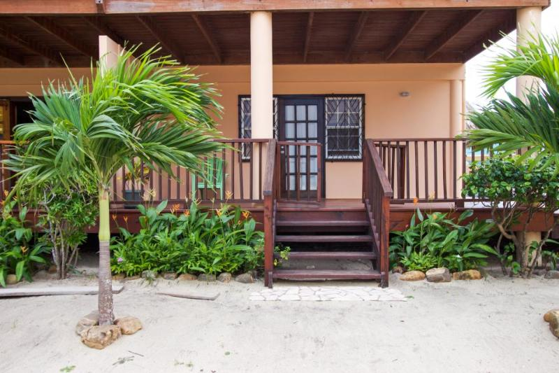 Oceanfront condo w/ easy beach access & pool in Belize! - Image 1 - Placencia - rentals