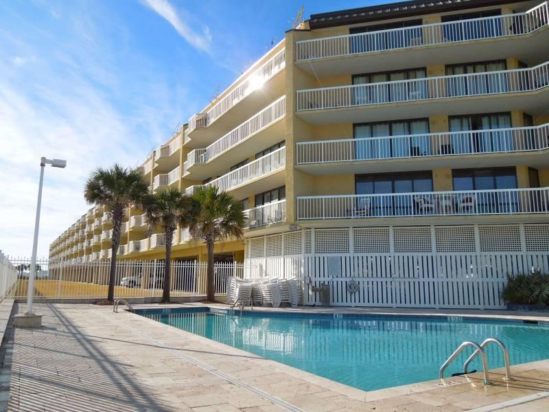 Charleston Oceanfront Villas - Charleston Oceanfront Villas 409 - Folly Beach, SC - 4 Beds BATHS: 3 Full - Folly Beach - rentals