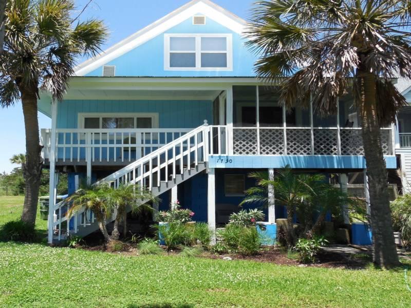 Front of House - Chunky Monkey - Folly Beach, SC - 4 Beds - 2 Baths - Blue Mountain Beach - rentals