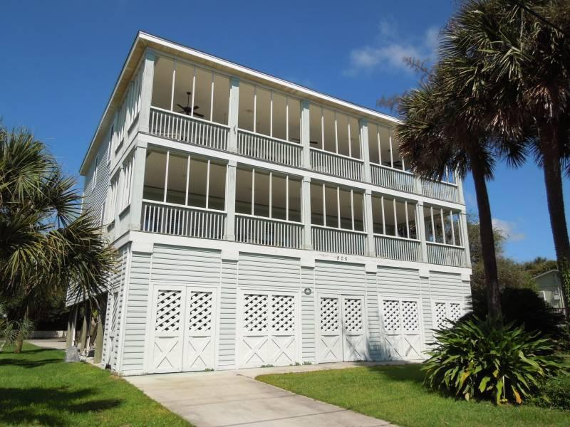 Arctic Side of House - Elegant Escape - Folly Beach, SC - 4 Beds BATHS: 4 Full 2 Half - Folly Beach - rentals