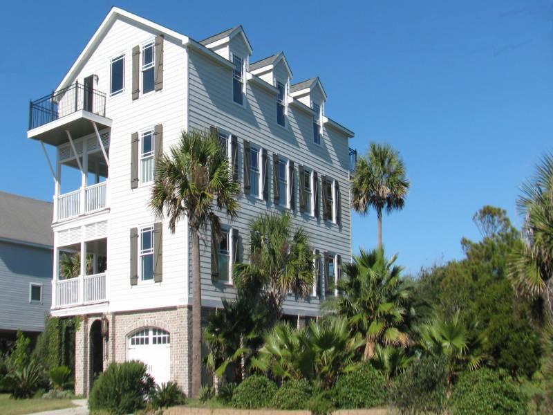 Classic Charleston Style at the Beach - Grand View - Folly Beach, SC - 5 Beds - 6 Baths - Blue Mountain Beach - rentals