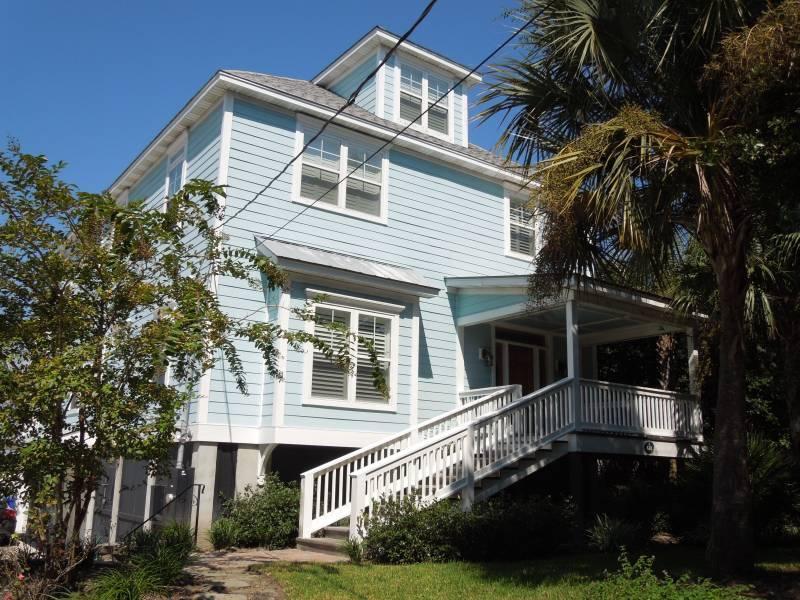 Exterior - Front of the House - Heavenly Blue - Folly Beach, SC - 4 Beds BATHS: 4 Full 1 Half - Folly Beach - rentals