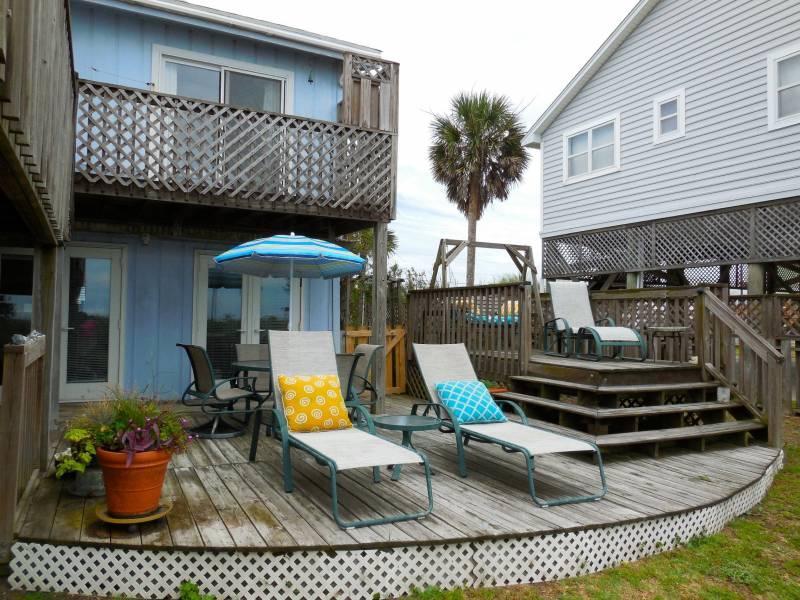 Exterior - Pelican Alley - Folly Beach, SC - 1 Beds BATHS: 1 Full - Folly Beach - rentals