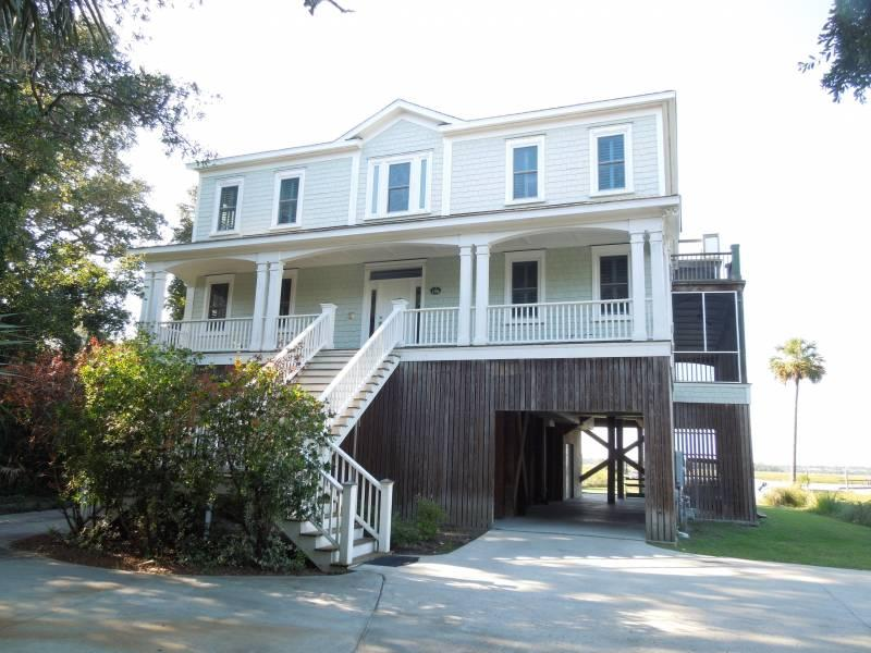 Exterior - The Tabby House - Folly Beach, SC - 6 Beds BATHS: 5 Full 1 Half - Folly Beach - rentals