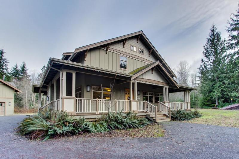 Flawless 16-person getaway on 5 forested acres w/hot tub! - Image 1 - Port Angeles - rentals