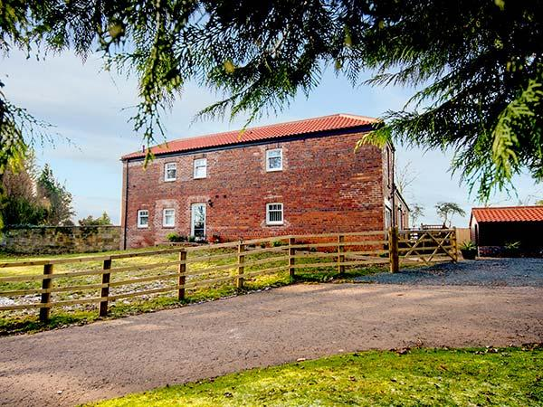 BEECHWOOD COTTAGE, en-suites, woodburner, WiFi, underfloor heating, near Great Ayton, Ref. 919762 - Image 1 - Great Ayton - rentals