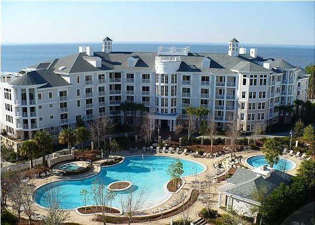 Bahia 4413  Newly Remodeled BEAUTIFUL Condo Free Golf @ Baytowne or Links! - Image 1 - Miramar Beach - rentals